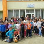 """Cadouri oferite copiiilor de la Casa de Tip Familial """"Sfântul Mucenic Ciprian"""" din Ocna Mureş"""