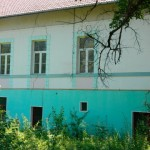 Fostul sediu al Administraţiei Finanţelor Publice Ocna Mureş riscă să se prăbuşească din cauza reconfigurării solului!