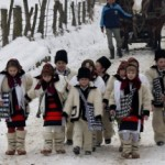 Obiceiuri şi tradiţii de Anul Nou: Pluguşorul, Capra, umblatul cu Ursul, Sorcova. Cele mai frumoase obiceiuri din ţara noastră | ocnamuresinfo.ro
