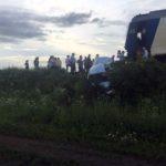 Tânăr grav rănit după ce autoturismul în care se afla a fost lovit de un tren pe raza localității Lunca Mureșului
