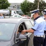 Dosar penal pentru un bărbat de 40 de ani din Ocna Mureș, după ce a fost surprins în timp ce conducea un autoturism fără permis la Lunca Mureșului