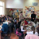 """Copiii ocrotiți în așezămintele și centrele de zi din Ocna Mureș, Războieni și Silivaș, implicați în Proiectul educațional """"Icoana din sufletul meu"""""""