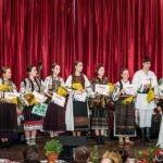 """Tineri interpreți de muzică populară din toată țara au participat la cea de-a XXXII-a ediție a Festivalului Național de Folclor """"Mureș pe marginea ta"""", de la Ocna Mureș"""