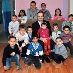 """De Ziua Internaţională a Copilului, cadouri pentru copiii de la Aşezământul Social """"Sfântul Mucenic Ciprian"""" Ocna Mureş"""