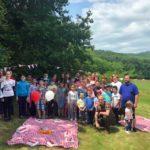 """Jocuri și întreceri sportive la """"picnicul distracției"""" organizat pentru copiii ocrotiți în centrele de zi și așezămintele sociale din Vama Seacă și Ocna Mureș"""