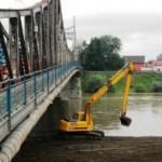 Accident de muncă mortal, în timpul lucrărilor la un pod situat între Ocna Mureș și Unirea