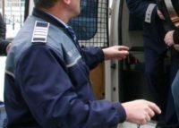 Bărbatul de 48 de ani din Ocna Mureș reținut după ce a provocat scandal, a agresat persoane şi a distrus bunuri, va fi cercetat în stare de arest preventiv