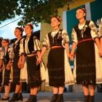 """Cântecul și jocul popular românesc au fost duse pe meleagurile Bulgariei de ansamblul """"Traditii Uiorene"""" din Ocna Mureş"""